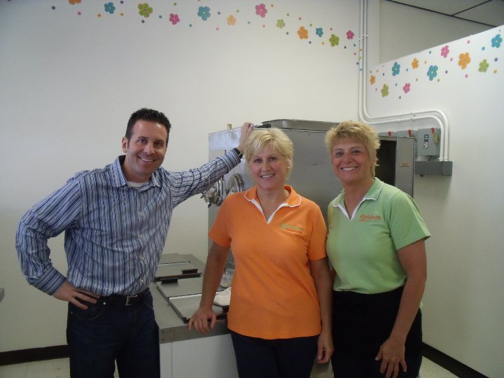 Steve Dolinsky with Owners Bev & Lisa